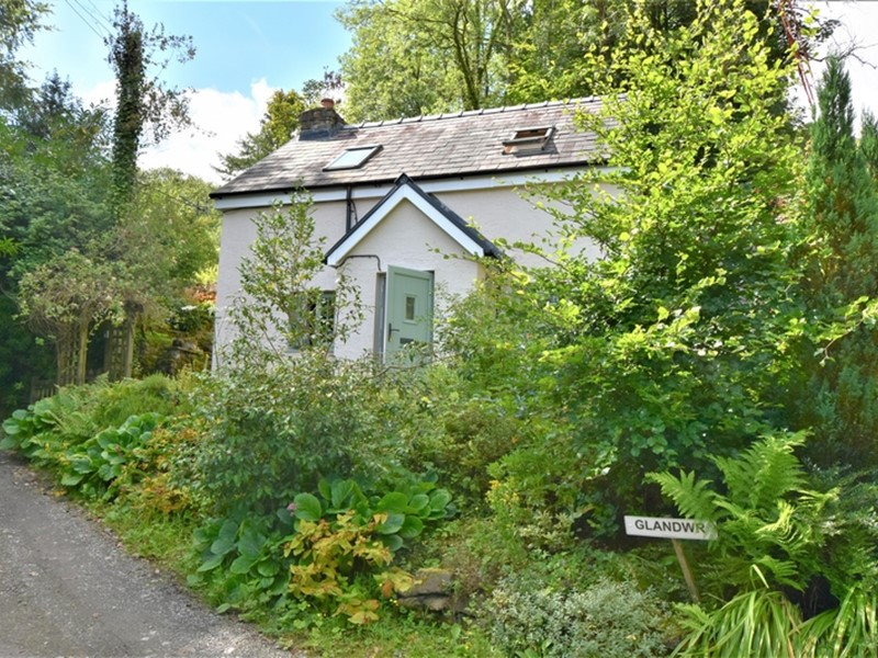 Glandwr Cottage, Talley, Carmarthenshire. - Image No: 6221