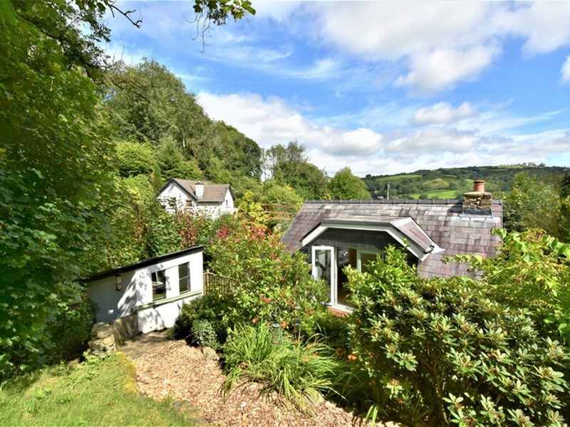 Glandwr Cottage, Talley, Carmarthenshire. - Image No: 6252